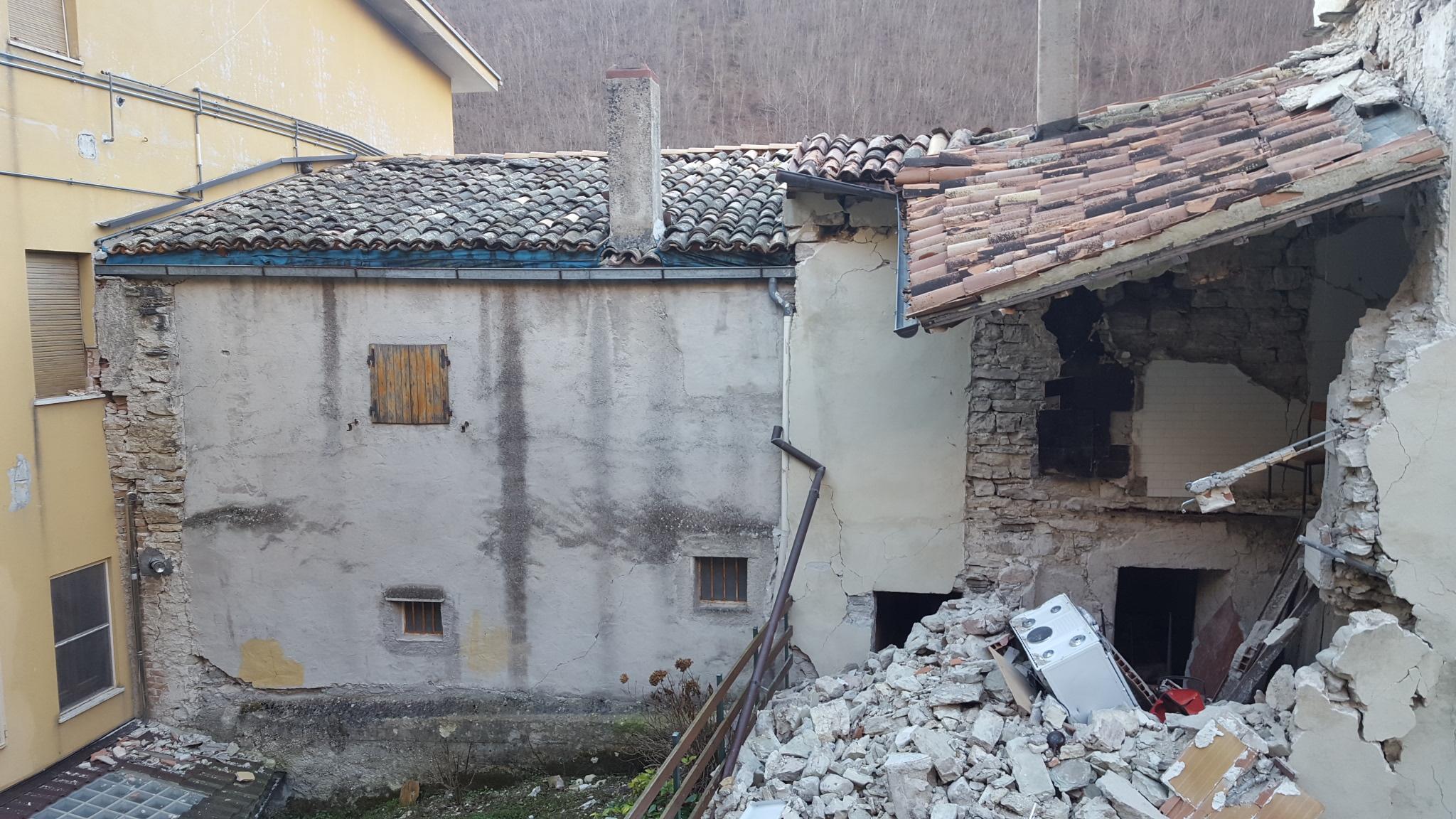 Crollo edificio Ussita