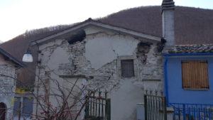 Edificio danneggiato dal terremoto ad Ussita di Macerata